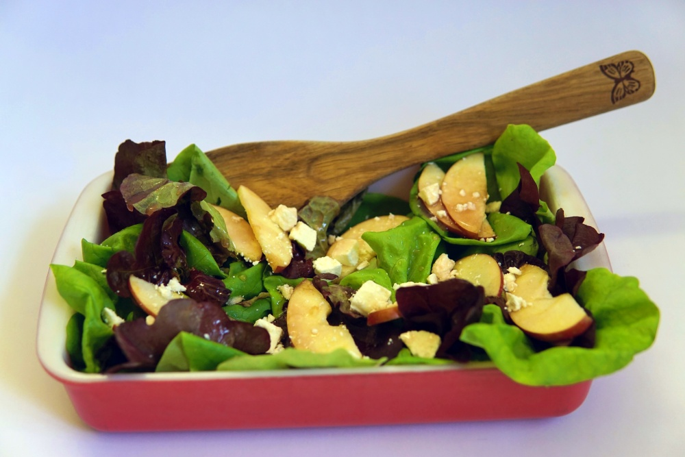 Apple Balsamic Vinaigrette Salad